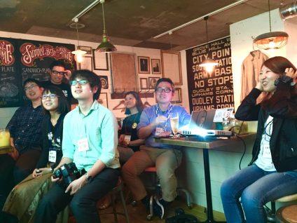 土佐志民大学には、代表の東森歩さん、参加者の牛窓昌代さん、記者の錦織祐一さんの鼎談